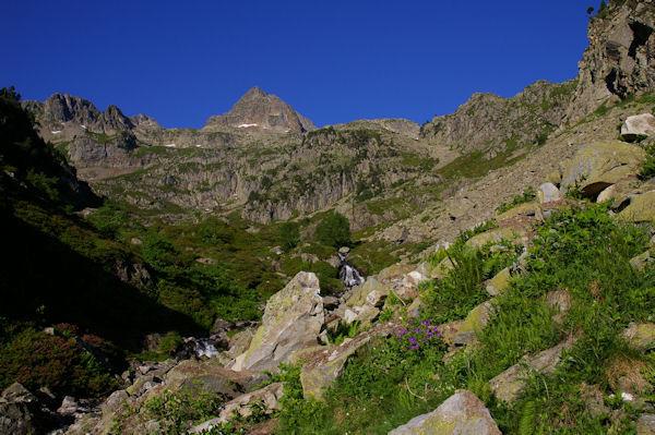 Le Pic Arrouy en remontant sous le flanc Ouest du Petit Arroubert