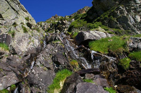 Le ruisseau qui descend du Pic des Mongès