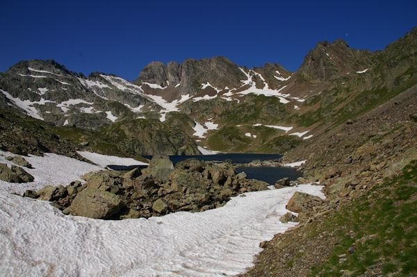 Le Lac de Pouey Laun entourré par le Pic des Tourettes, le Pic Sarroa et le Pic Estibère