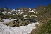 Le Lac de Pouey Laun entourre par le Pic des Tourettes, le Pic Sarroa et le Pic Estibere