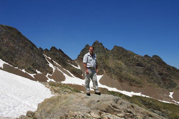 Fred au Col de l_Hospitalet, derrière, le Pic Estibère