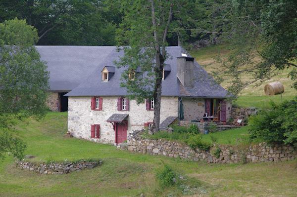 Une grange à Lesterle au Col des Bordères