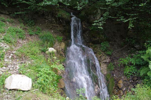 Petite cascade du ruisseau descendant des Balagnas