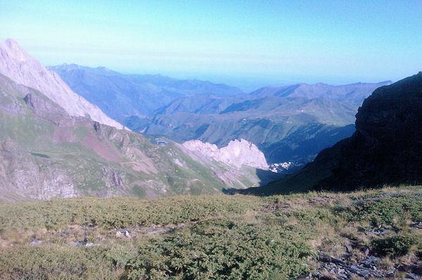 Le vallon du ruisseau de Valentin, en bas, c_est Gourette