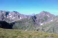 Au fond, on appercoit le Pic du Midi d'Ossau