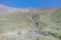 Des cascades sur le ruisseau descendant de Couyeou Maou