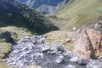 Lee ruisseau descendant de Couyeou Maou