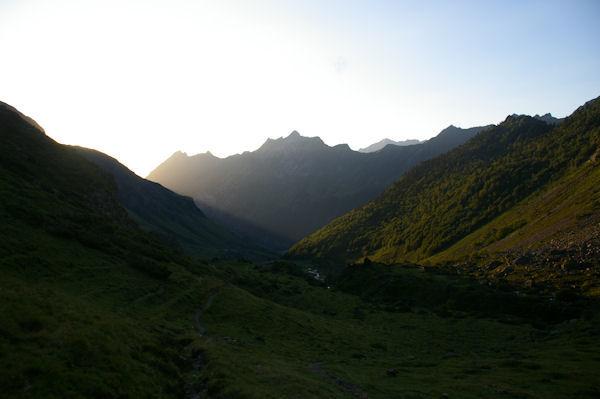 Le vallon du ruisseau du Labas, au fond, le Pic de Sarret