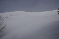 Des congeres menancantes sur la crete Sud Ouest du Soum de Berducou
