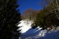 En montant au Col de la Serre depuis le Col de Couraduque