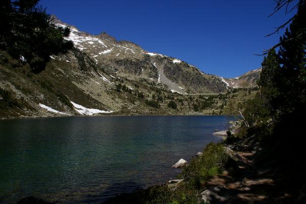 La troisième Laquette, le barage du lac d'Aubert au fond