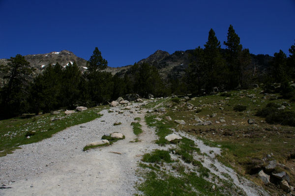 Le chemin vers le lac d&#39Aumar