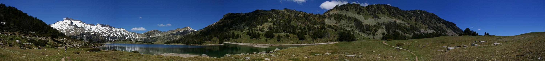 Panoramique depuis l'extrémité Sud-Est du lac d'Aumar