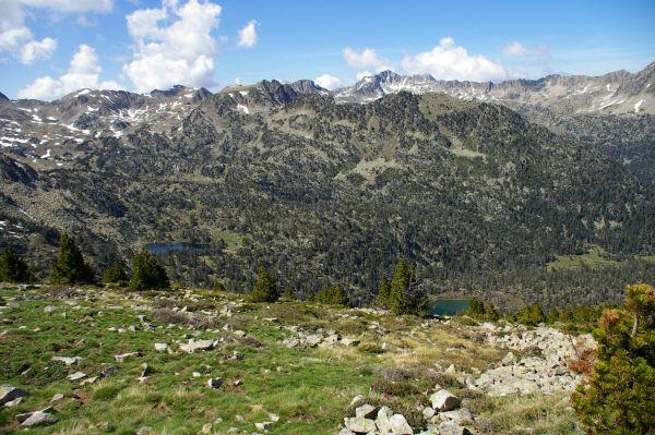 Le lac supérieur et le lac de l'Ours depuis le Soum de Monpelat