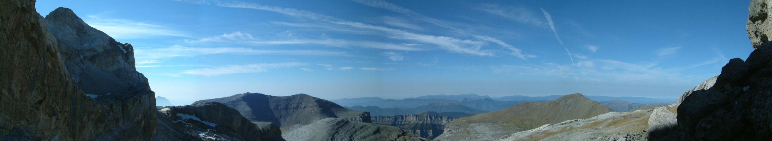 Panoramique Sud depuis la Brèche de Roland