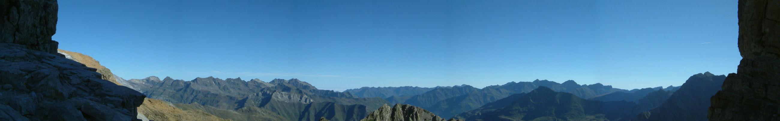 Panoramique Nord depuis la Brèche de Roland