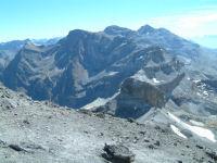 Le Cirque de Gavarnie depuis le sommet du Taillon, le Mont Perdu au fond