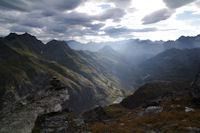 La vallee d'Ossoue dans le soleil