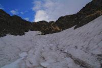 Un neve dans le vallon sous le Petit Pic de Tapou