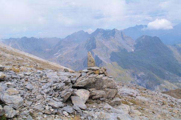 Les sommets au dessus de la vallée d_Ossoue