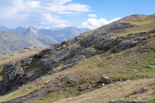 Petit passage escarpé au dessus des Lacs de Montferrat