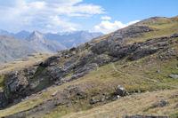 Petit passage escarpe au dessus des Lacs de Montferrat