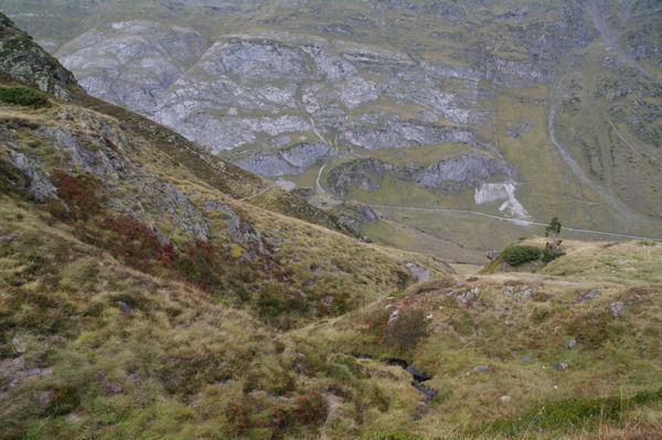 Au fond, la vallée d_Ossoue