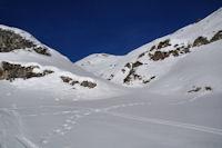 Petit vallon aboutissant au Col de Lary