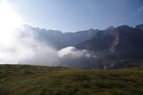 La Brèche de Roland, le Casque, la Tour, l_Epaule, les Pics de la Cascades et le Marboré