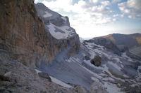 Les falaises sous le Casque du Marbore, cote Espagnol