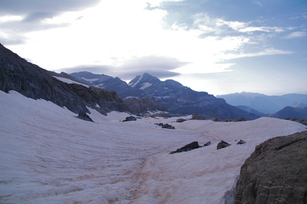 En face , le Mont Perdu, encore loin!