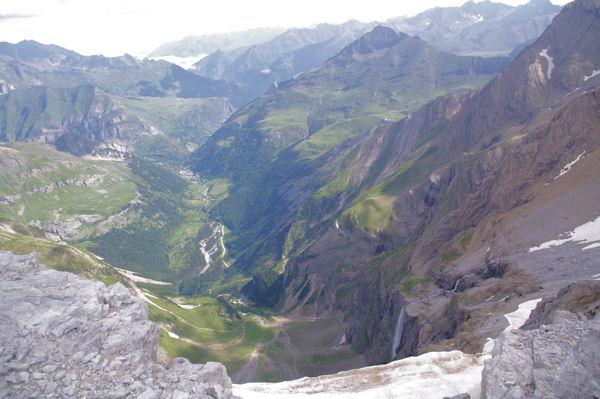 La vallée de Gavarnie depuis le haut du Cirque