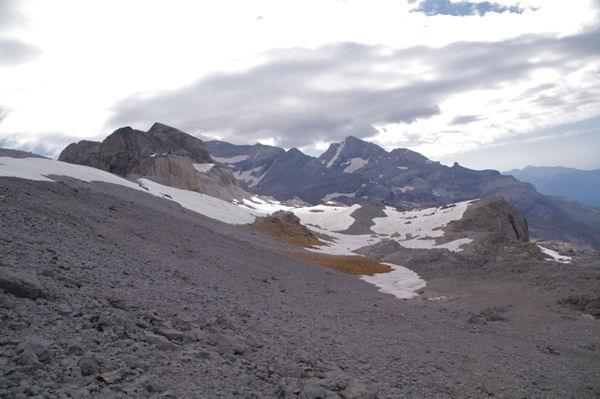 Au loin, le Mont Perdu