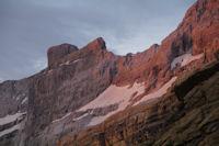 La Tour du Marbore aux premiers rayons de soleil