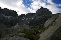 La crete d'Espade, la breche de Chausenque et le Pic de Neouvielle