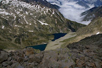 Le Lac de Bugarret et le Lac  Coueyla Det Mey depuis les cretes menant au Turon de Neouvielle