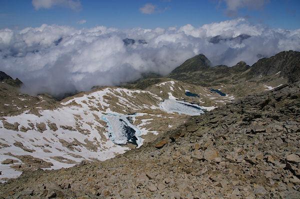 Le Lac Glacé de Maniportet, le Lac Bleu et les Lacs Verts depuis le sommet du Turon de Néouvielle