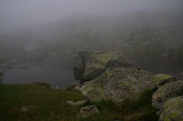 Errance dans la brume entre le Lac de la Manche et le Lac Det Mail