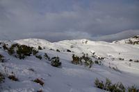 A droite, le Col de Soum, a gauche le Col de Mauben depuis les flans du Turon d'Ompre