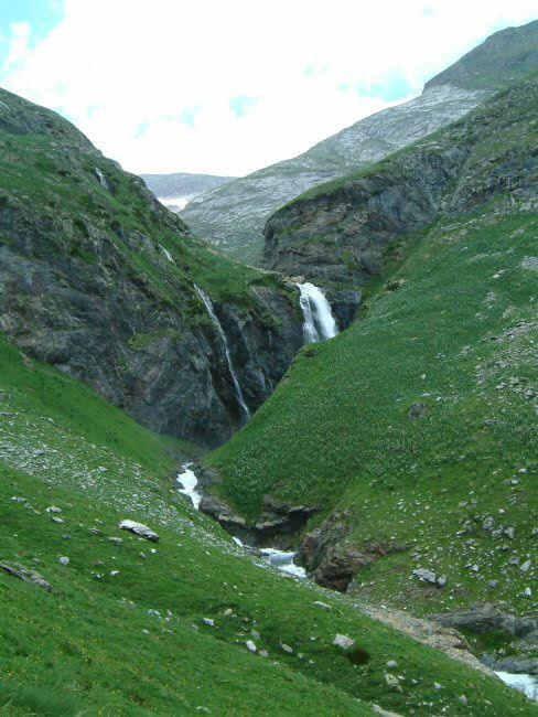 La cascade du ruisseau des Oulettes d&#39Ossoue