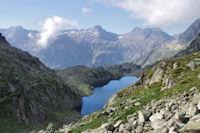 Le Lac Nere, derriere, du Pic d'Arratille a la Pointe de la Muga