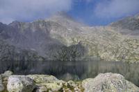 Le Lac du Pourtet surmonte par le Soum de Bassia