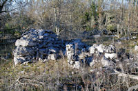 Une cazelle ruinée vers l_Igue de Mont Fouillous