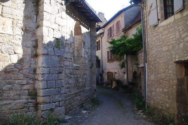 Derrière l_Abbaye St Pierre à Marcilhac sur Célé