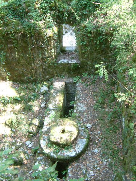 Les ruines du moulin de la Mouline