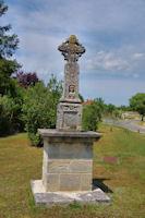 La croix du Mercadiol à Lalbenque