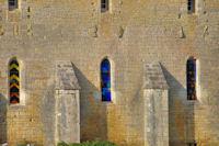 Les beaux vitraux du Prieure Notre Dame de Laramiere