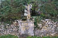 Vieille croix à Puy de Capy