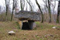 Le dolmen du Lac d'Aurie