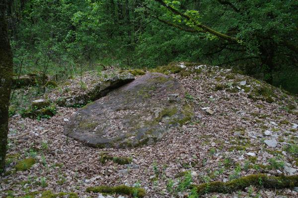Le dolmen de Récobert effondré